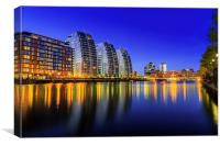 Lights on the quays, Canvas Print