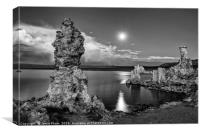 Beautiful view of the strange Tufa Towers of Mono
