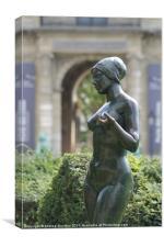 Garden Statue: Jardin des Tuileries