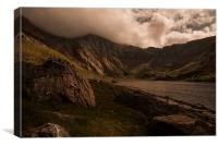 Llyn Idwal and the Devils Kitchen, Canvas Print