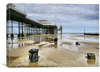 Cromer pier aspect, Canvas Print