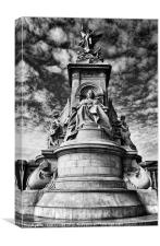 Queen Victoria Statue - London, England