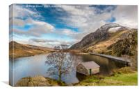 Winter At Llyn Ogwen, Canvas Print