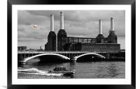 Pink Floyds Pig, Battersea, Framed Mounted Print